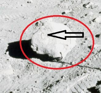 Apollo 11 : Batu Dengan Huruf C di Atasnya 3